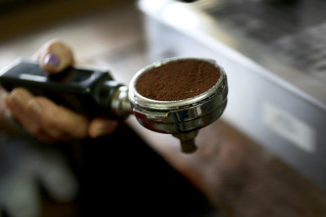 10 usi alternativi del caffè per la bellezza
