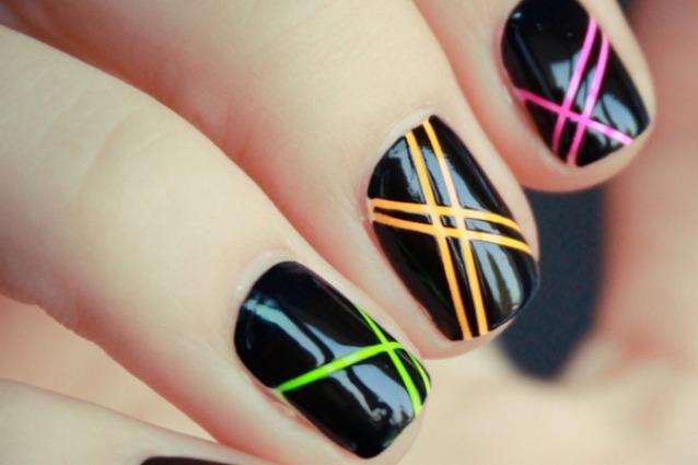 Le unghie della settimana fluo manicure foto for Colori fluo