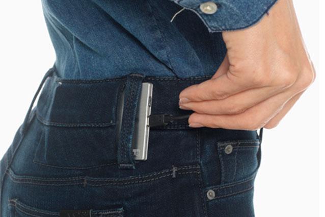 Hello Jeans, il jeans che ricarica il tuo smartphone