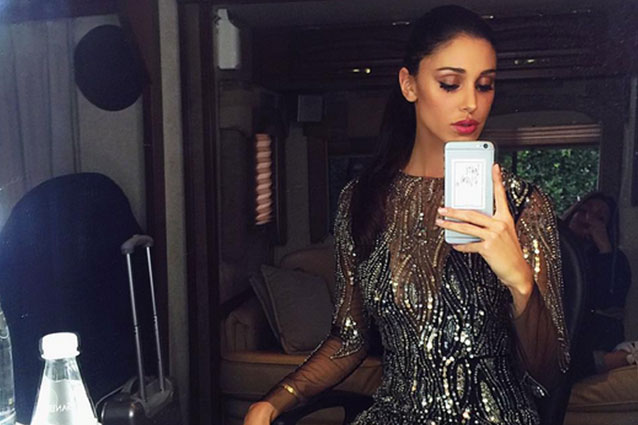"""Belén Rodriguez coperta solo di cristalli sul palco di """"Tu si que vales"""" (FOTO)"""