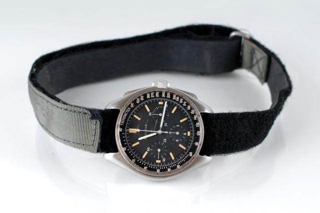 All'asta per 1,6 milioni di dollari il primo orologio andato sulla Luna