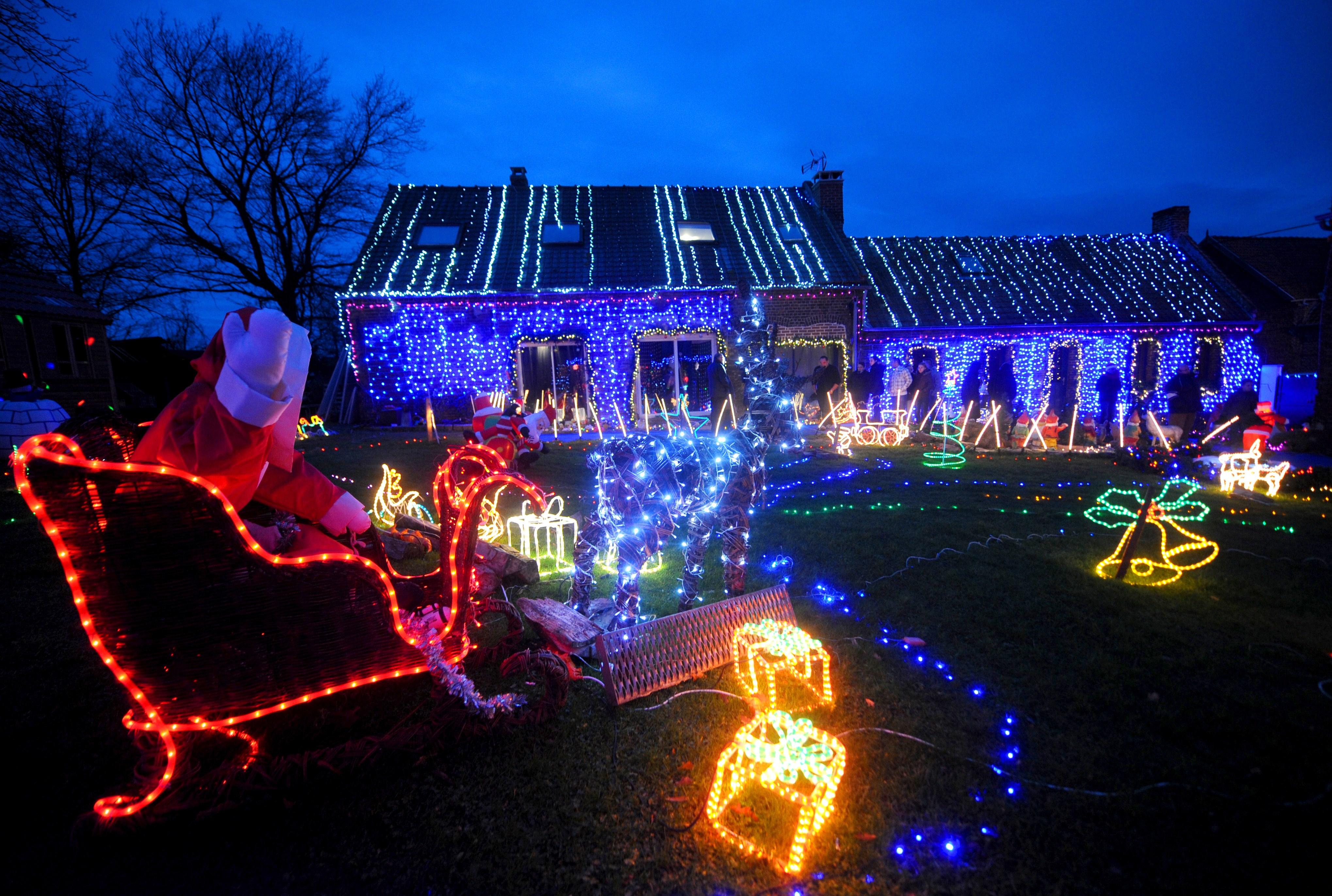 Le migliori decorazioni natalizie da esterno per accogliere al