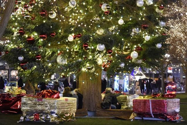 Ogni Anno, Quando Si Avvicina Natale, I Vari Brand Du0027arredamento Propongono  Diverse Collezioni Per Addobbare Casa Per Rendere Lu0027atmosfera Casalinga  Magica E ...