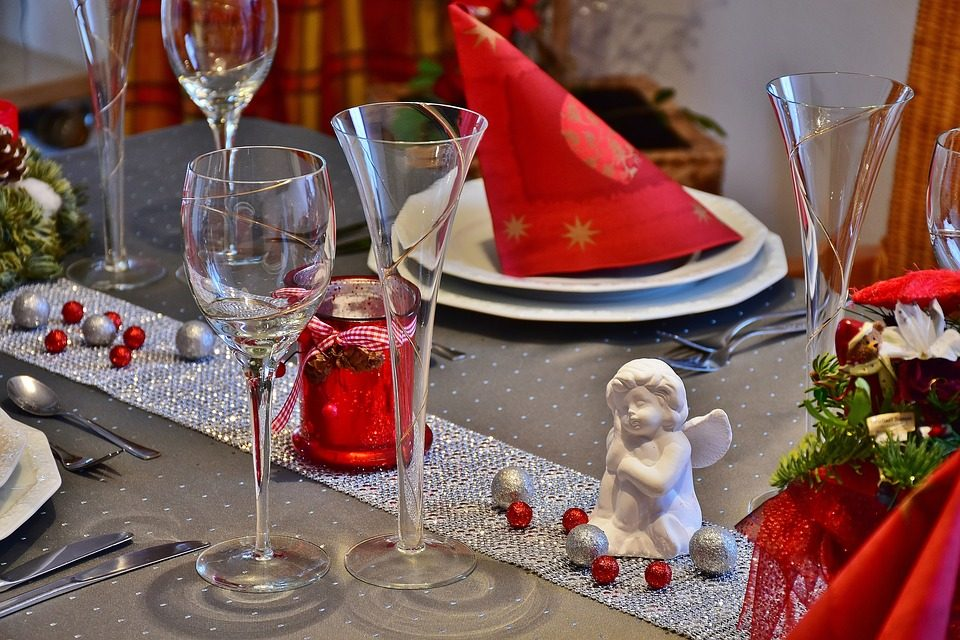 Conosciuto Come apparecchiare la tavola di Natale idee e consigli per  XK63