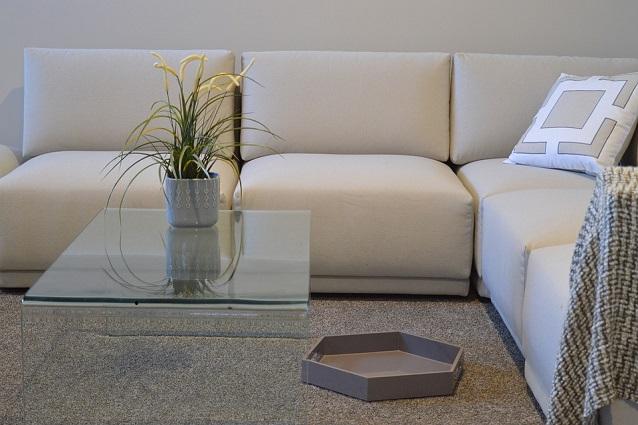 Divani Bianchi E Neri : Come pulire un divano in pelle consigli utili per eliminare le
