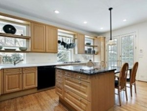 Come pulire i mobili in legno rimedi e consigli utili