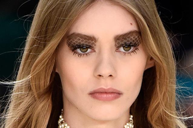 Il make up matelassé di Chanel: ecco come crearlo a casa tua (FOTO)