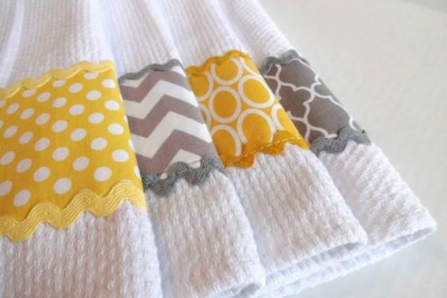 Dal guanto scrub alle presine: 7 idee per riciclare gli asciugamani vecchi