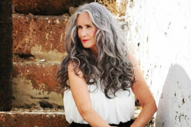 A 56 anni diventa una modella di costumi da bagno vado - Bagno di luce capelli ...