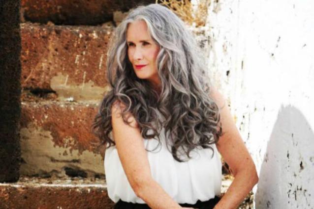 A 56 anni diventa una modella di costumi da bagno vado - Non vado in bagno ...