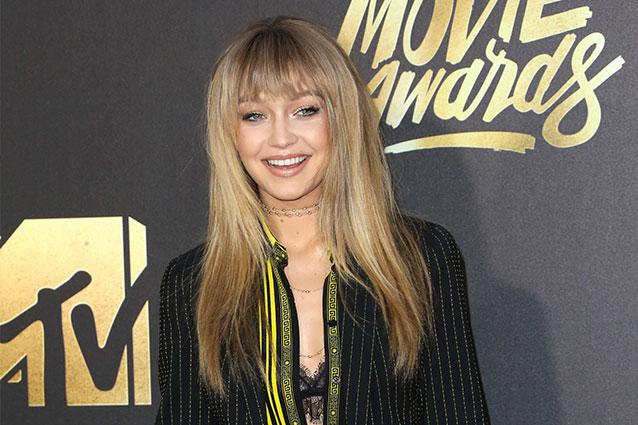 Gigi Hadid cambia taglio di capelli: la modella sceglie la frangia