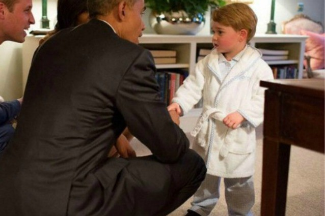 La vestaglia del principe George è sold out dopo la foto con Obama