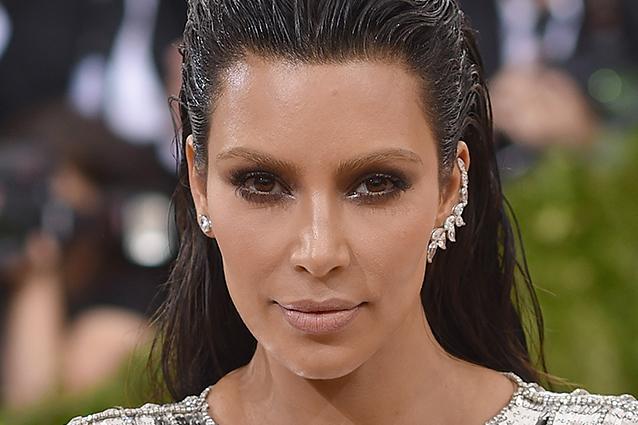 Bleached eyebrows: l'ultimo trend delle star che annulla le sopracciglia  (FOTO)