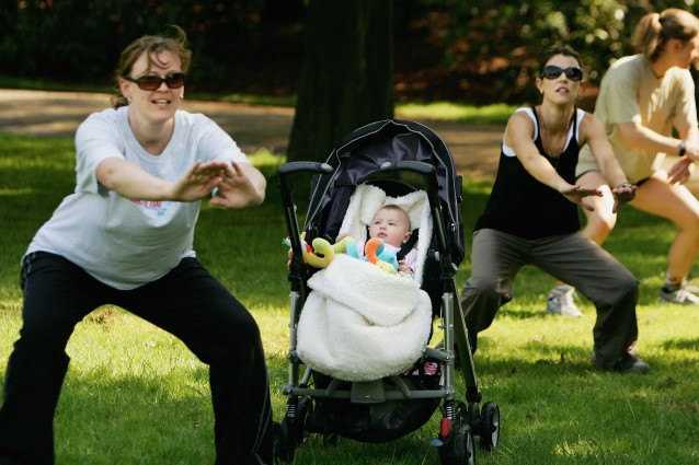 Ginnastica per mamme: gli esercizi da praticare con il neonato