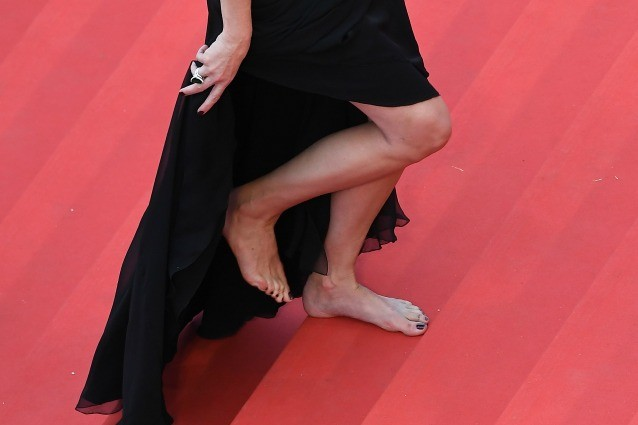 BareFooting: camminare scalzi fa bene alla salute e piace alle star