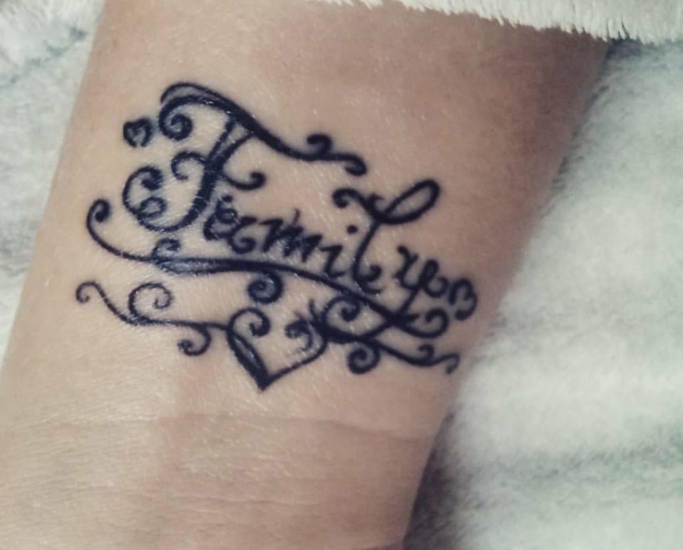 Popolare Tatuaggi dedicati alla famiglia foto e significato dei simboli KQ47