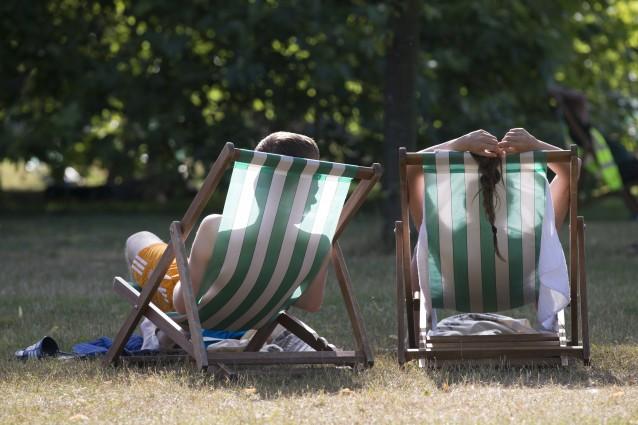 Rimedi naturali per combattere il caldo estivo e l'afa