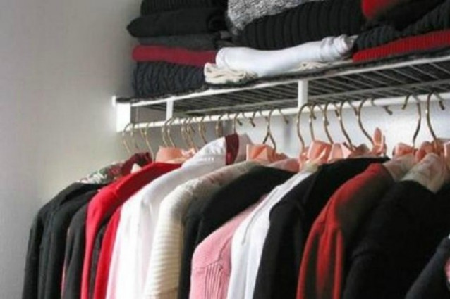 Muffa Sui Vestiti Nell Armadio.Come Eliminare L Odore Di Muffa Dai Vestiti I Rimedi Efficaci Ed Economici Da Provare