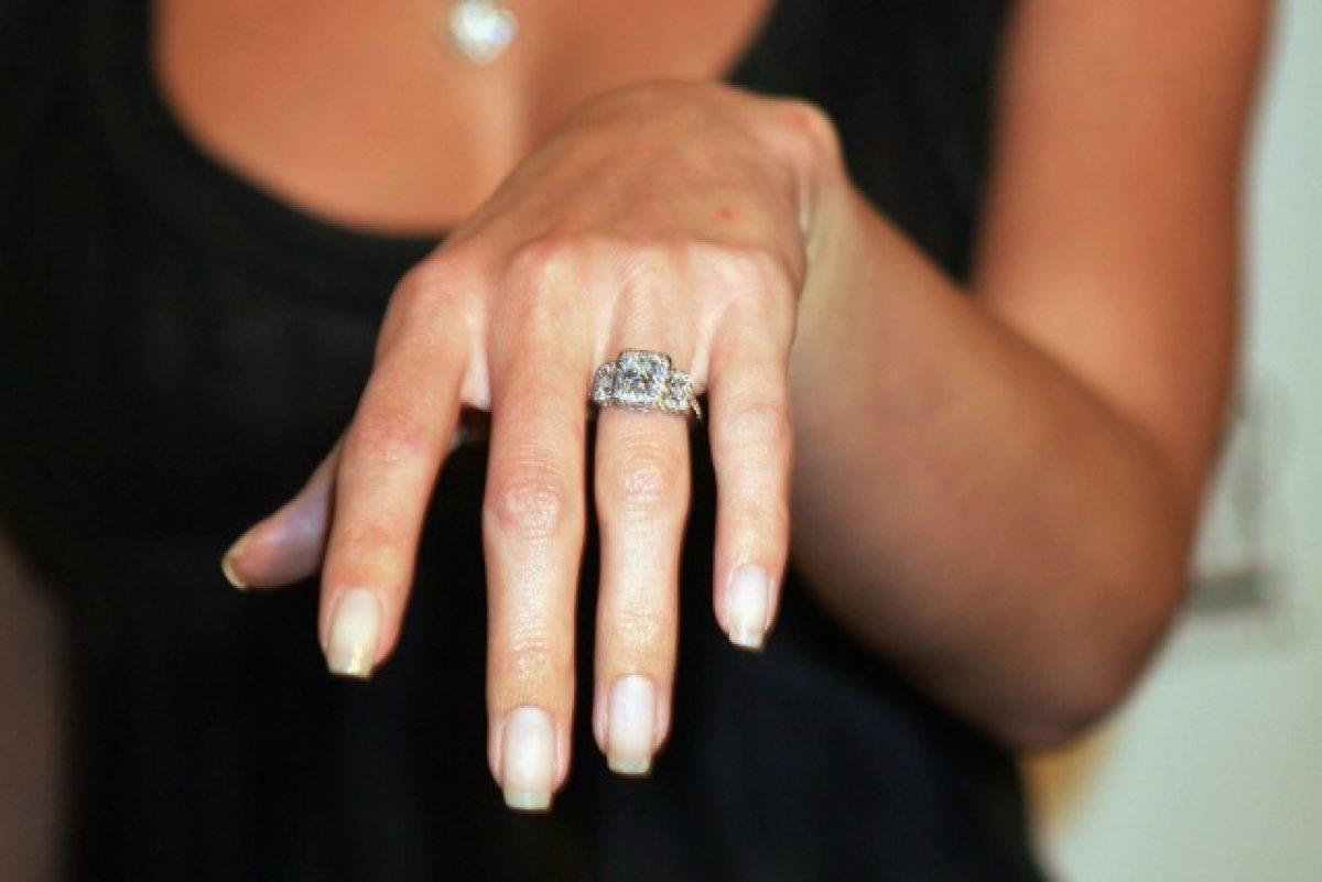 dec324373f2f06 10 errori che gli uomini fanno quando scelgono l'anello di fidanzamento