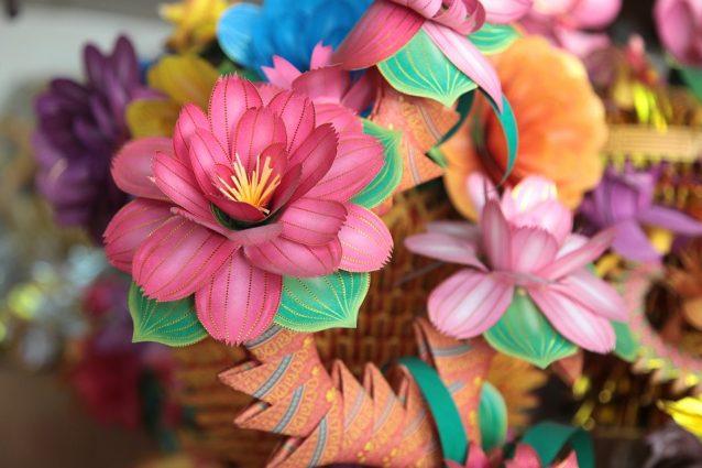 Come fare dei fiori di carta: idee e tutorial