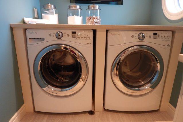 Come lavare il bucato in lavatrice: le regole da seguire per un ...