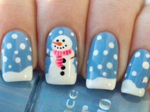 Le unghie della settimana: la nail art con il pupazzo di neve