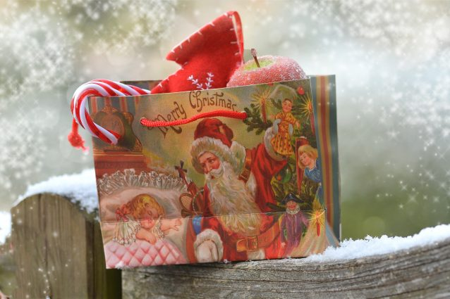 Oroscopo: il regalo di Natale perfetto per ogni segno zodiacale