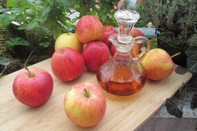 Aceto di mele: proprietà benefiche e usi per dimagrire e per la pelle