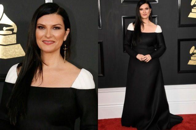 """Laura Pausini in versione """"monaca"""" ai Grammy 2017: la cantante punta sulla sobrietà"""