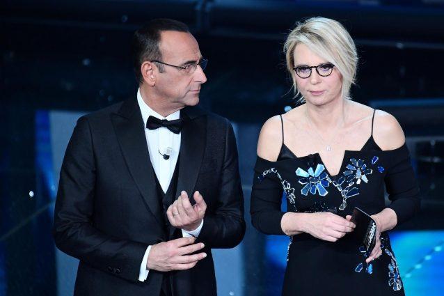 Sanremo 2017, i voti ai look della finale: piume per Maria, Elodie in bianco