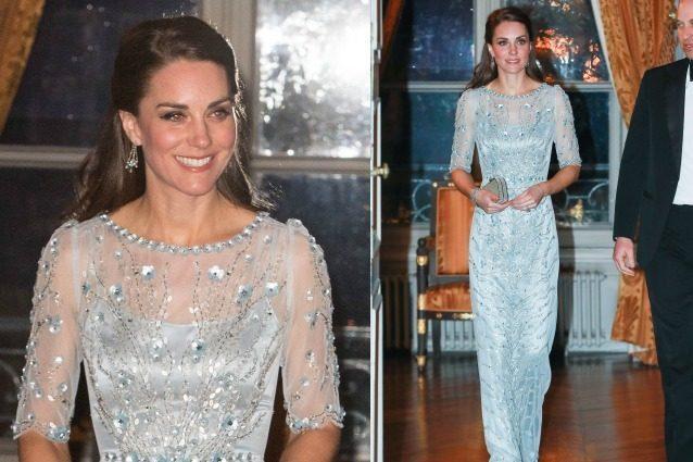 Kate Middleton come Elsa di Frozen: abito celeste con cristalli per la cena di gala
