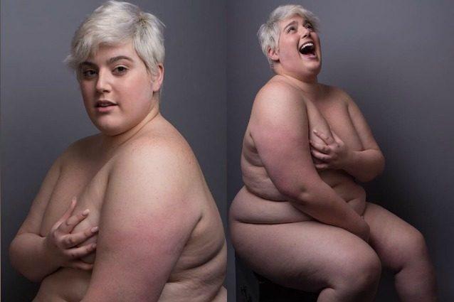 """""""Il mio corpo è un'opera d'arte"""": la modella plus-size posa nuda senza imbarazzo"""