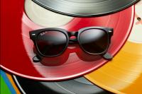 9d52451c30815 I nuovi Wayfarer  Ray-Ban lancia la nuova versione degli iconici occhiali  da sole