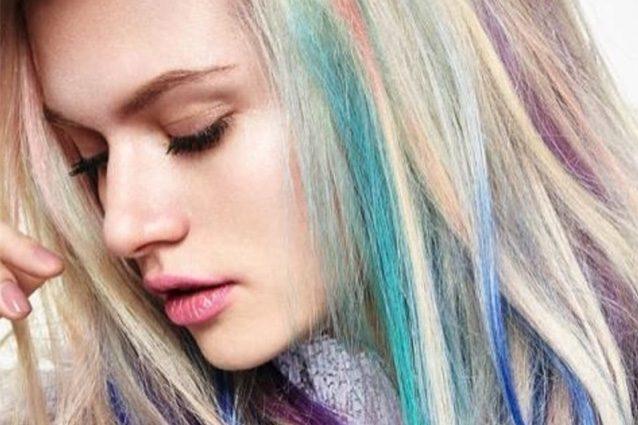 Pastelage, il nuovo balayage che colora i tuoi capelli con sfumature pastello