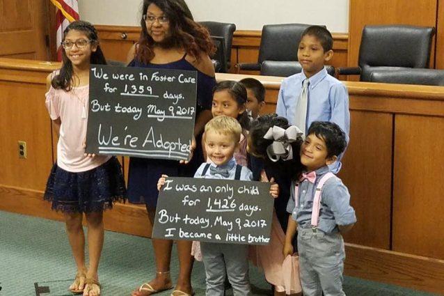 Joshua e Jessaka, la coppia che ha adottato 7 bambini donando loro una vita felice