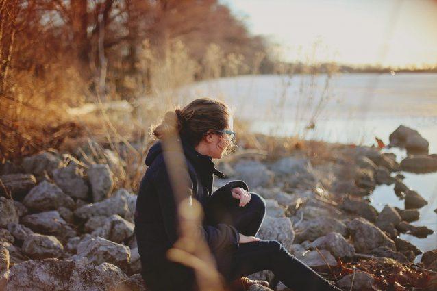 La solitudine non è sinonimo di tristezza e abbandono: ecco perché può essere costruttiva