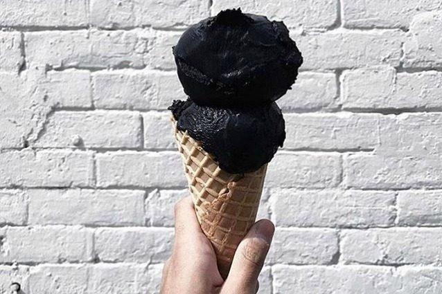 Arriva il gelato nero: ecco il gusto che spopolerà la prossima estate