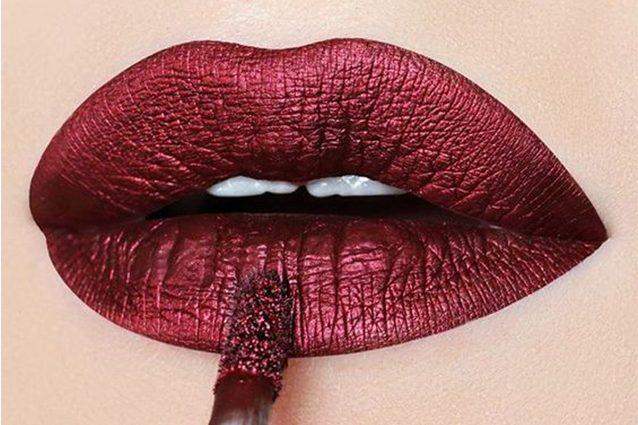 Metal lipstick: i rossetti metallizzati per il trucco labbra dell'estate