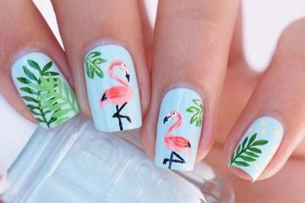 4b30fefdcd29 Tropical manicure  le unghie dell estate tra colori esotici e fenicotteri