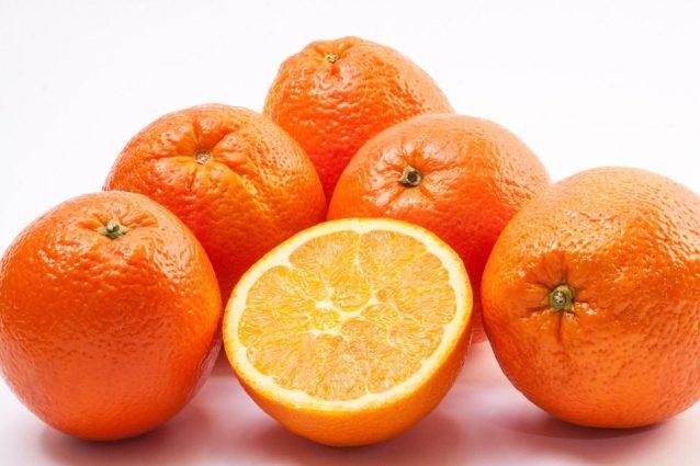 Arance: proprietà benefiche, come consumarle e controindicazioni