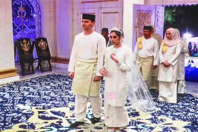 Il matrimonio della principessa di Johor: la figlia del sultano ha sposato l'ex calciatore