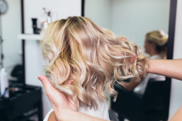 Balayage capelli corti castani
