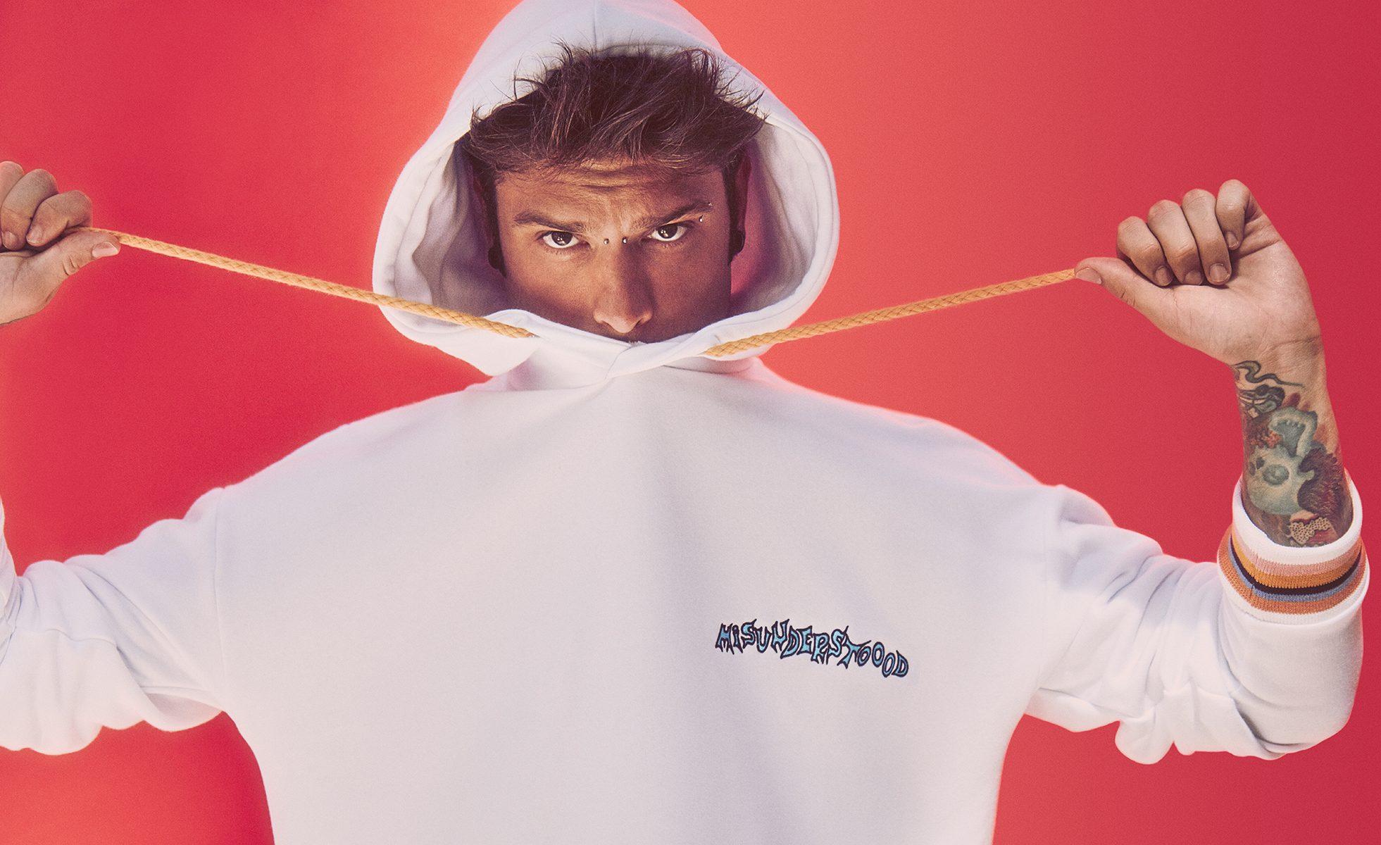 Fedez stilista il rapper firma una collezione per bershka for Collezione bershka fedez