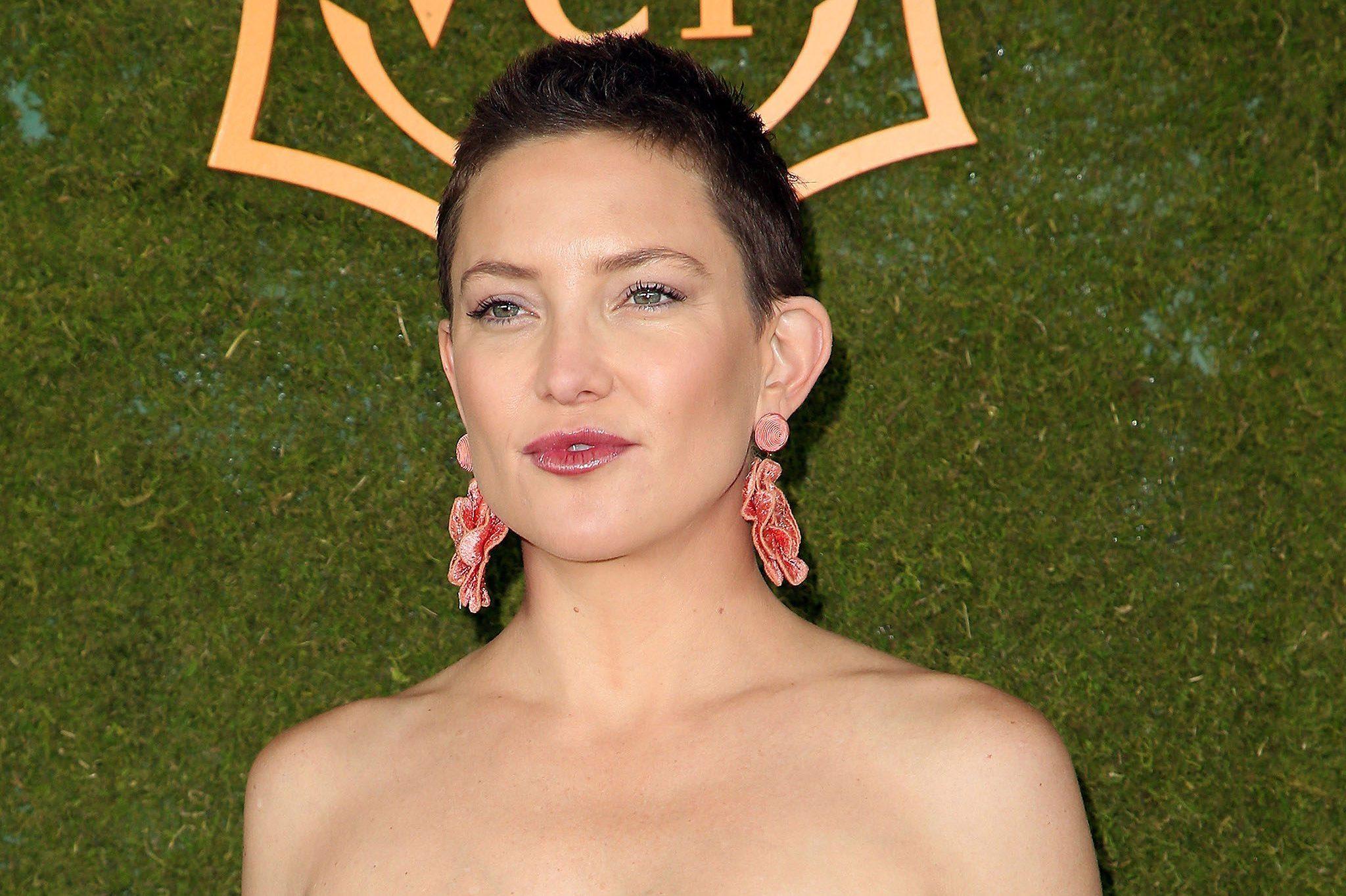 Kate Hudson rasa i capelli a zero: Ho lo stesso taglio di ...