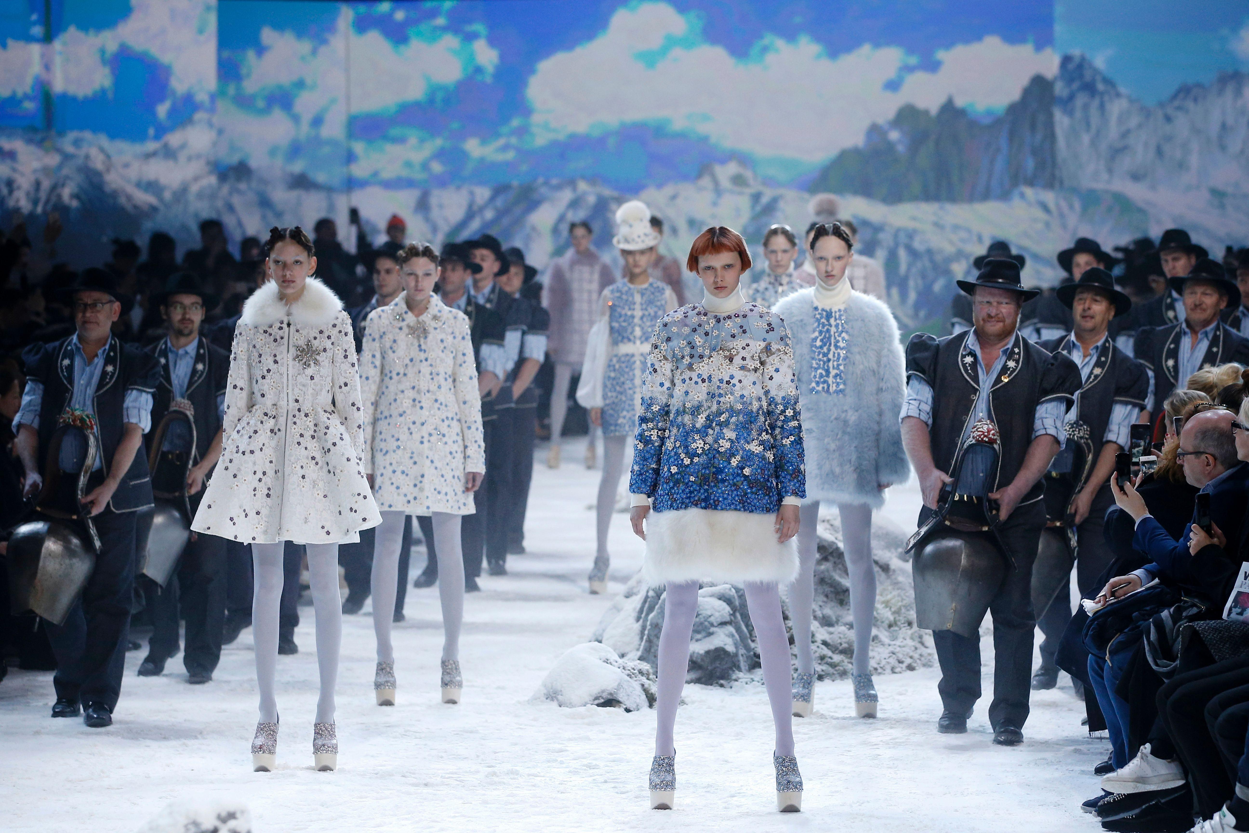 Spostata la milano fashion week ad aprire le danze sar for Aprire le planimetrie con seminterrato
