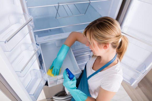 Come eliminare i cattivi odori dal frigo i rimedi e i - Eliminare gli odori in casa ...