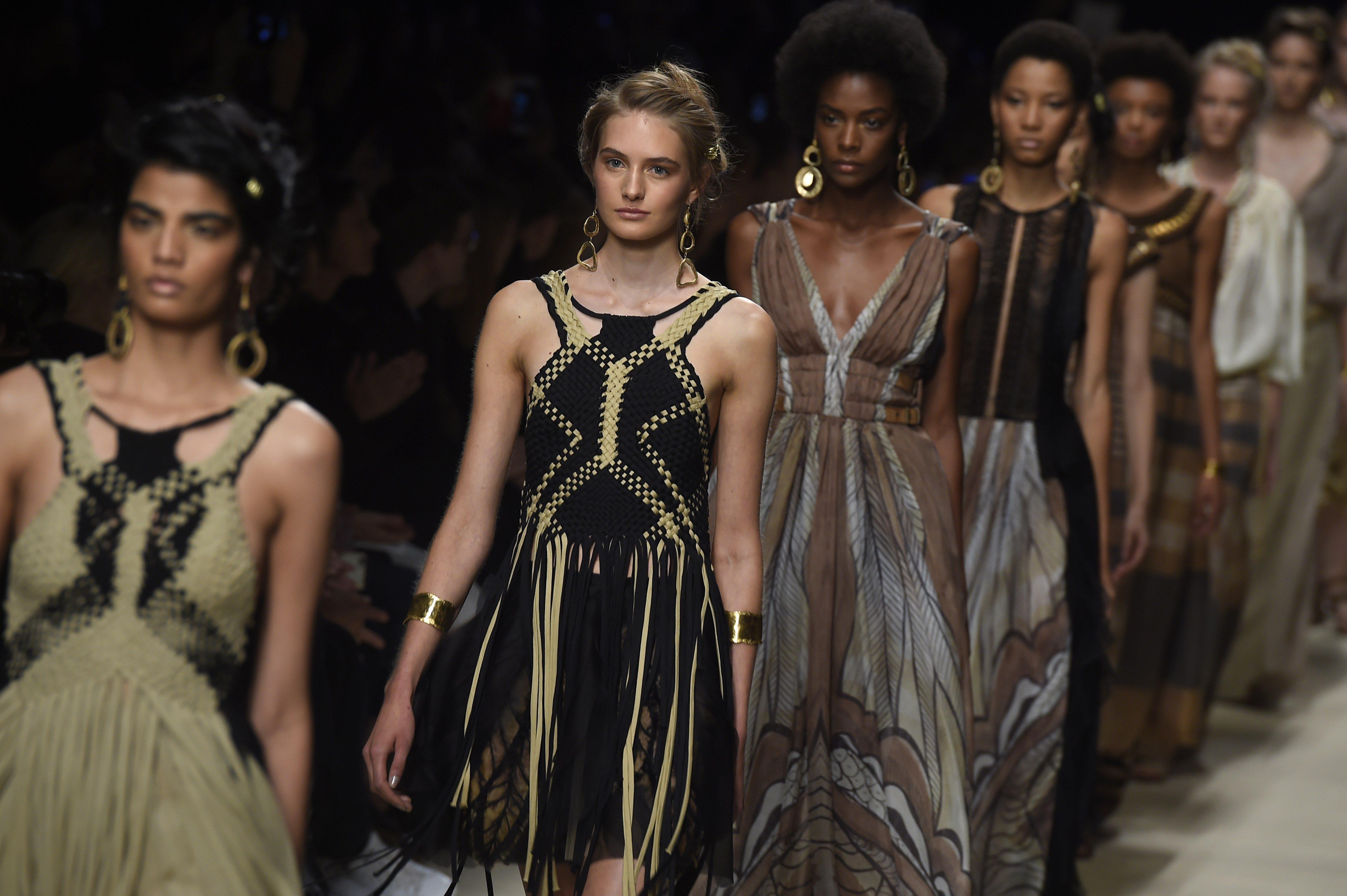 902acdbd0f20 Alberta Ferretti aprirà la Milano Fashion Week uomo