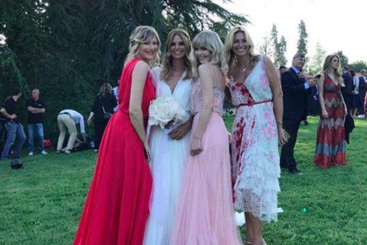 20b1bd6aceb2 I look degli invitati al matrimonio di Filippa Lagerback e Daniele Bossari