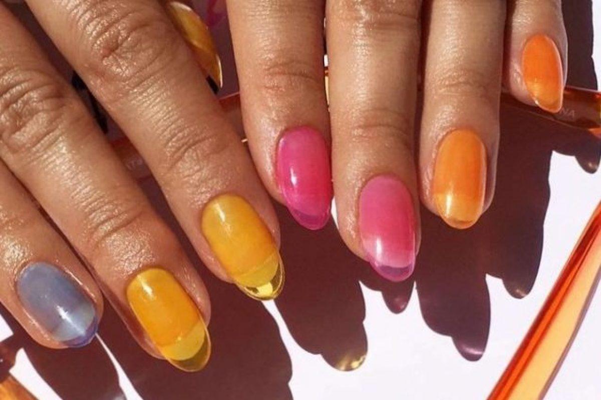 Jelly Nails La Manicure Estiva Che Si Ispira Ai Sandaletti Di Gomma