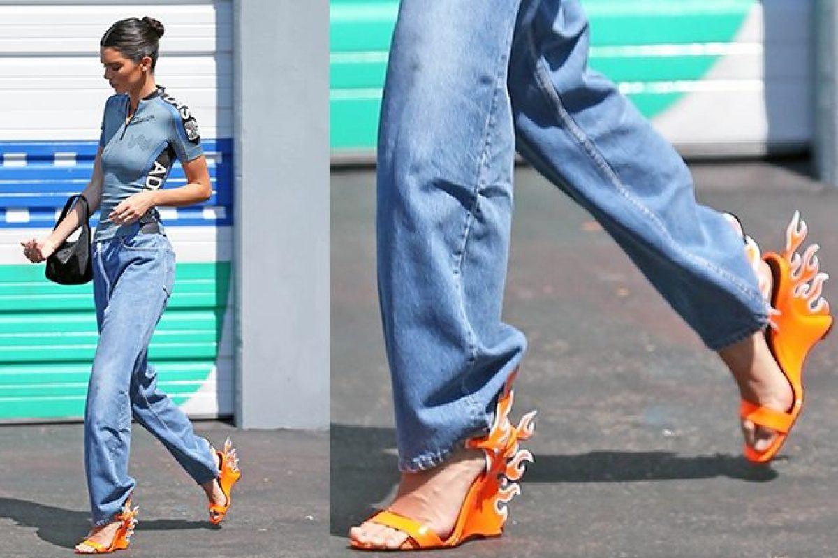 Il nuovo oggetto del desiderio  I sandali infiammati di Kendall Jenner a376af025ab